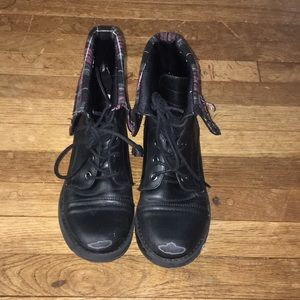 Ankle boots/Combat boots